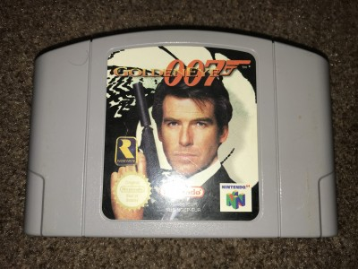 Nintendo 64 Goldeneye game